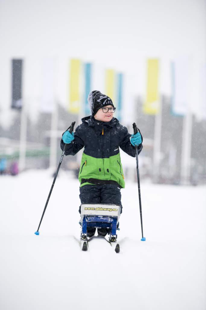 Heldagsjobb till 18.30 i Falun för Schibsteds partnerstudio i samarbete med Toyota. Impossble camp, Parasport. Foto Jonas Bilberg